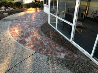 A picture of brick layer in Fullerton.
