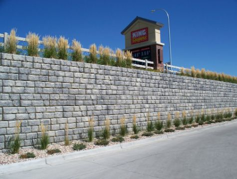 A picture of retaining wall in Fullerton.